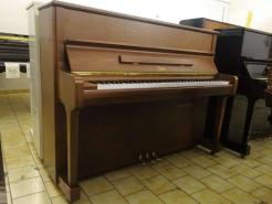 Piano droit BOSTON UP118 BY Steinway finition noyer satiné