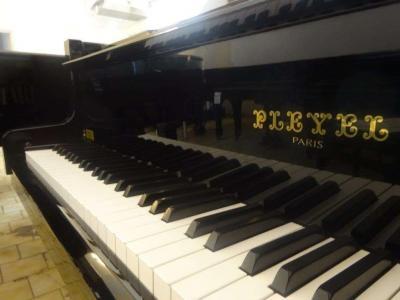 Piano à queue PLEYEL P170