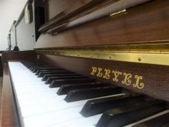Piano droit d'occasion PLEYEL 114I Noyer