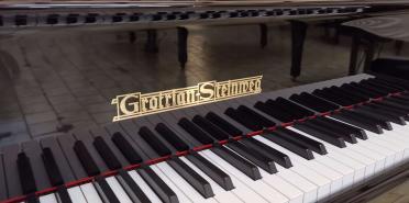 Piano à queue d'occasion GROTRIAN STEINWEG 185