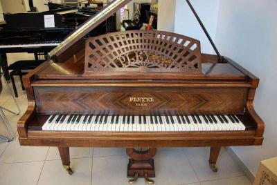 PIANOS A QUEUE FRANCAIS restaurés et garantis