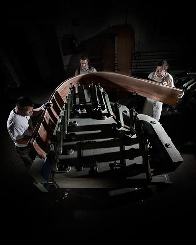 BECHSTEIN. Fabrication ceinture du piano